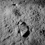 1024px-Apollo_11_bootprint
